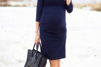 elegant-and-comfy-maternity-outfits-for-work-7