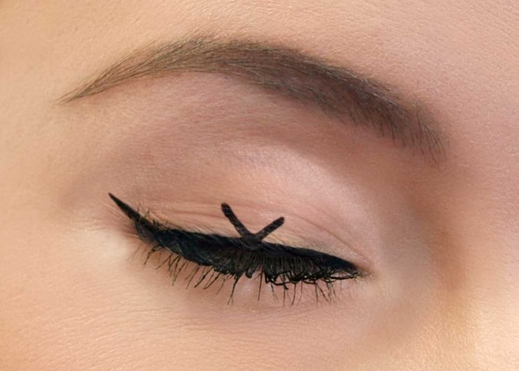 Fun And Fancy DIY Winged Eyeliner Look