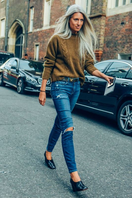 How To Tuck In Oversized Sweaters 18 Perfectly Stylish
