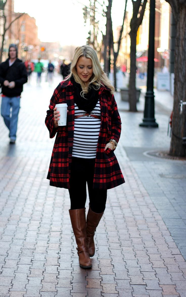 Picture Of maternity winter outfits to enjoy the season  20