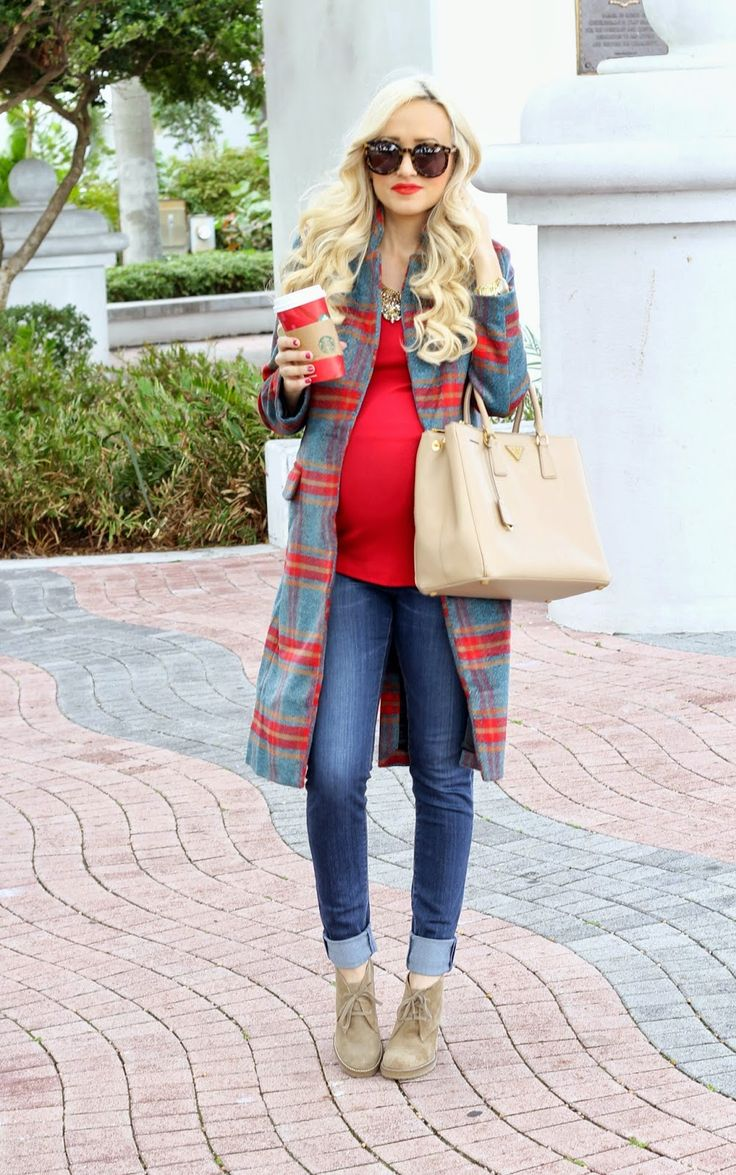 Picture Of maternity winter outfits to enjoy the season  5