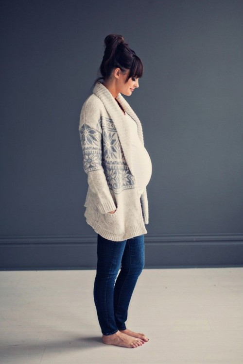 Stylish Maternity Winter Outfits To Enjoy The Season