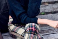 plaid-christmas-outfits-to-recreate-for-holidays-19