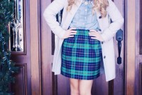 plaid-christmas-outfits-to-recreate-for-holidays-21