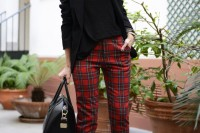 plaid-christmas-outfits-to-recreate-for-holidays-24