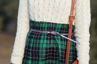 plaid-christmas-outfits-to-recreate-for-holidays-30