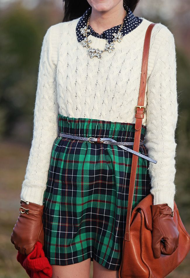 28 Plaid Christmas Outfits To Recreate For Holidays