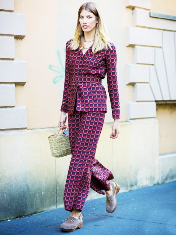 Picture Of bold and stylish printed suit looks to recreate  2