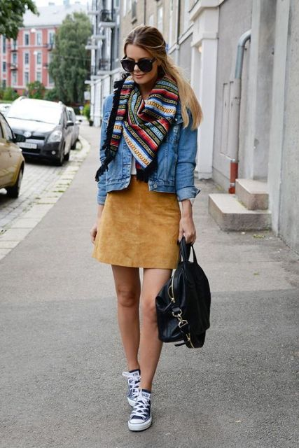 Comfy And Feminine Suede Skirt Outfits