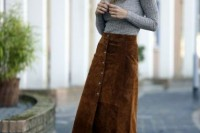 16 Feminine Suede Skirt Outfits13