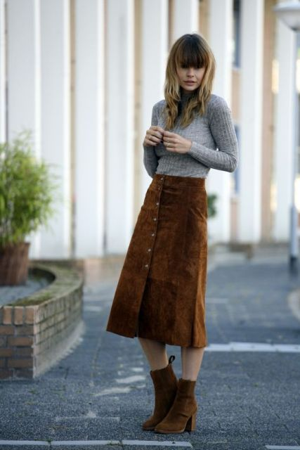 Picture Of Feminine Suede Skirt Outfits 13
