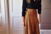 16 Feminine Suede Skirt Outfits4