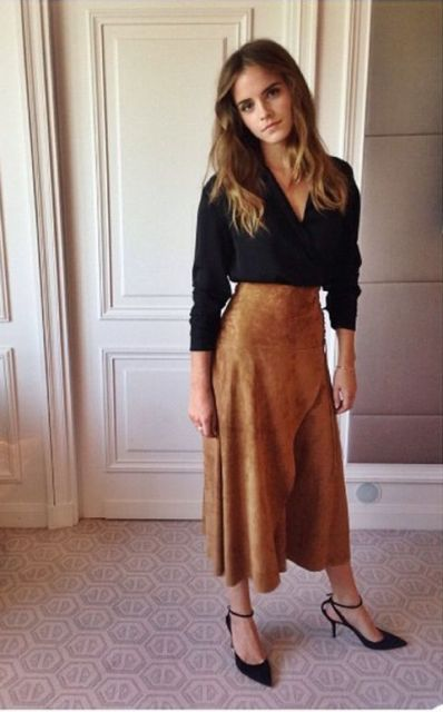 Picture Of Feminine Suede Skirt Outfits 4