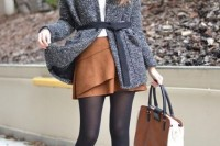 16 Feminine Suede Skirt Outfits5