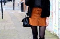 16 Feminine Suede Skirt Outfits6