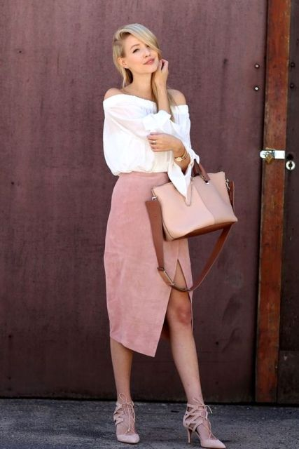 Picture Of Feminine Suede Skirt Outfits 7