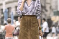 16 Feminine Suede Skirt Outfits8