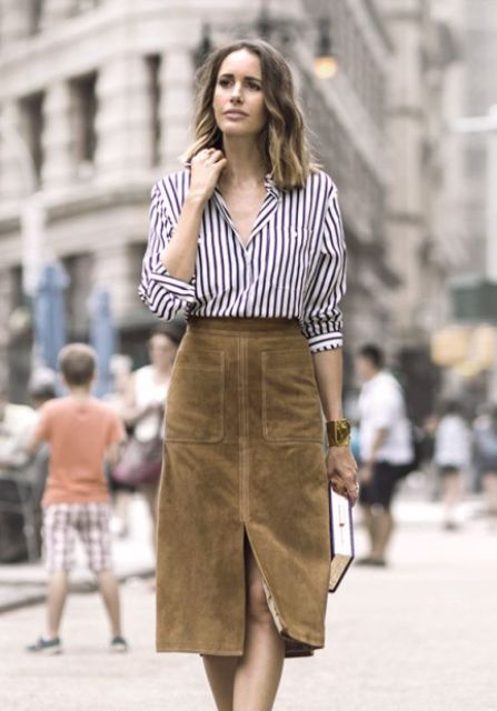 Picture Of Feminine Suede Skirt Outfits 8