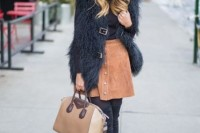 16 Feminine Suede Skirt Outfits9