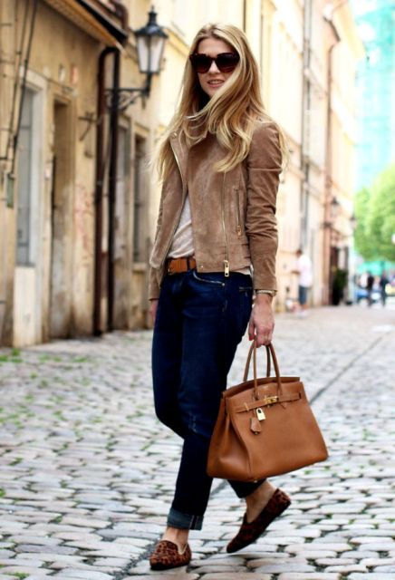 Picture Of Suede Jacket Outfits For Stylish Ladies 17