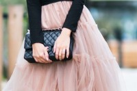 chic-winter-date-night-outfits-for-girls-27