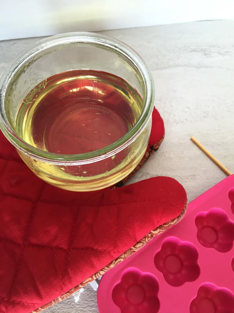 Picture Of diy heart shaped mini moisturizing lotion bars  5