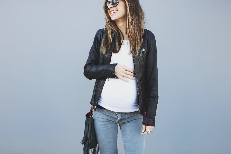 Picture Of easy and comfy diy maternity jeans from a regular jeans  3