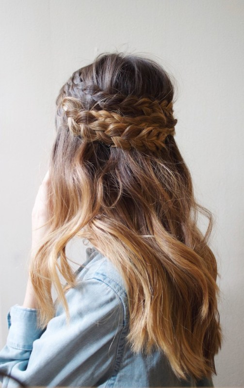 Effortless DIY Half Up Braided Hairdo For Long Locks