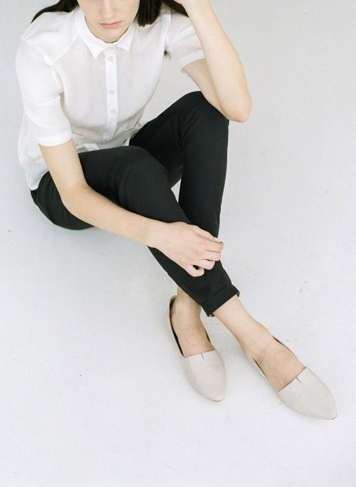 Picture Of stylish monochromatic work outfits to try  18
