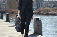 stylish-monochromatic-work-outfits-to-try-4