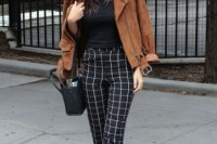 16 Awesome Checked Trousers Outfits For Ladies 3
