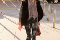 16 Awesome Checked Trousers Outfits For Ladies 4