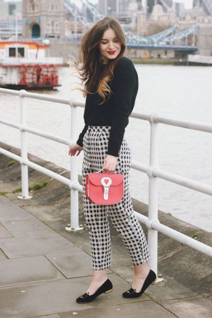 Awesome Checked Trousers Outfits For Ladies