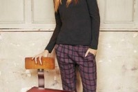 16 Awesome Checked Trousers Outfits For Ladies 8