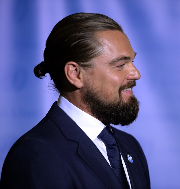 Picture Of sexiest ways to pull off a man bun  15