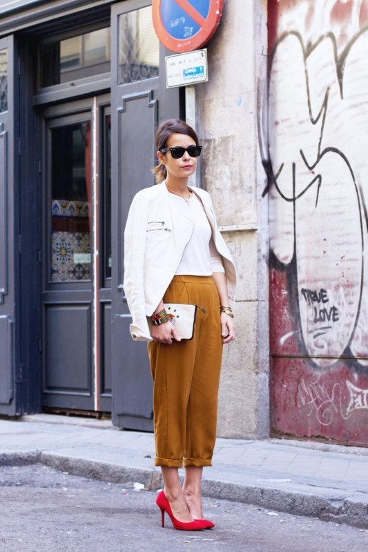 Picture Of looks that will make you want to wear colored pants this spring  4