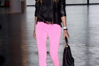 20-looks-that-will-make-you-want-to-wear-colored-pants-this-spring-5