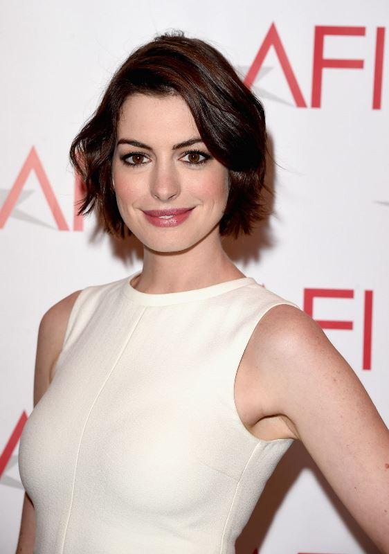 Trendy Women's Short Hair Looks That Inspire