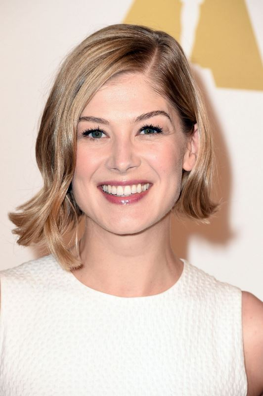 Picture Of trendy short hair looks that inspire  17