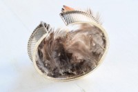 Excellent DIY Feather Bracelets4