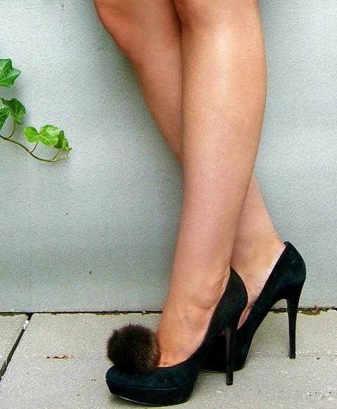 Funny DIY Fur Pom Pom Shoe Clips
