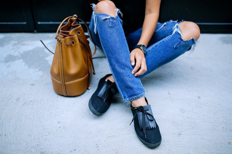 Picture Of chic diy fringed sneakers to make  3