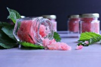 raspberry and honey lip scrub