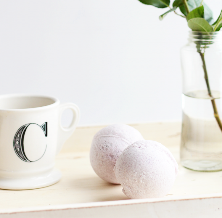 Cute DIY Bath Bombs With Essential Oils
