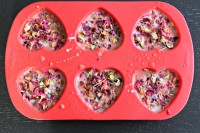 diy-rose-petal-soaps-with-an-adorable-smell-7