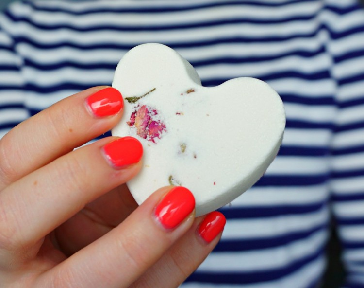 DIY Rose Petals And Heart Bath Bombs For Valentine's Day