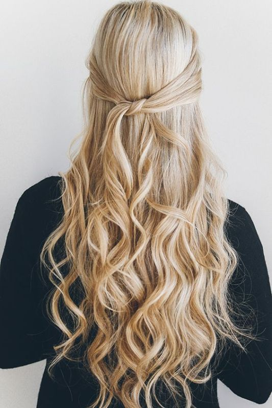 Fuss-Free Yet Oh-So-Pretty DIY Knotted Half-Updo Hairstyle