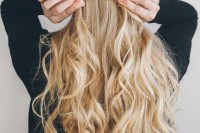 fuss-free-yet-oh-so-pretty-diy-knotted-half-updo-hairstyle-2