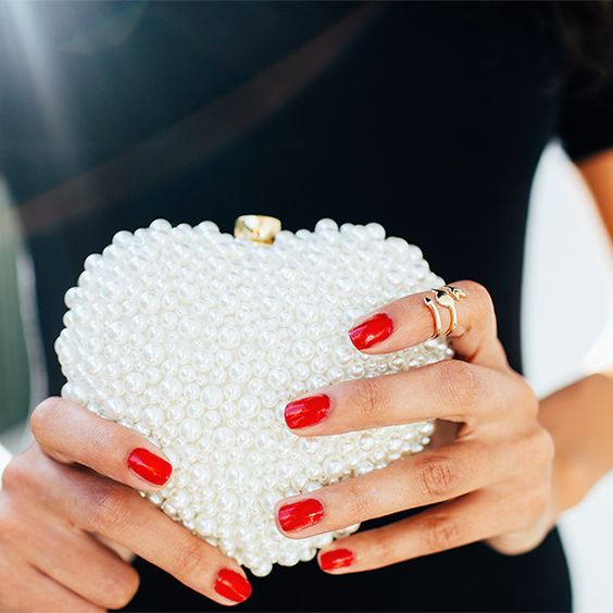 Gorgeous And Bold Clutches For Valentine's Day