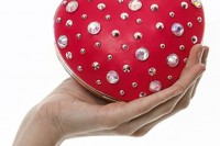 gorgeous-and-bold-clutches-for-valentines-day-17